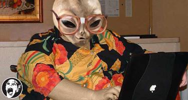 alien_blogger